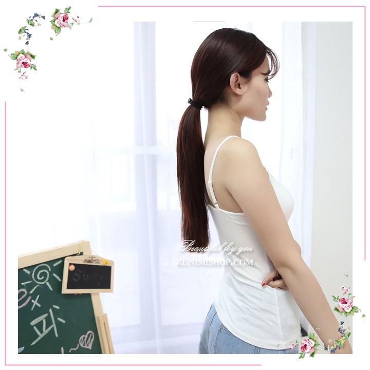 เสื้อกล้าม ซับใน เสื้อช่วงอกประดับด้วยผ้าลูกไม้ หน้าอกเสริมด้วยฟองน้ำหนา โดยไม่ต้องใส่ชุดชั้นในอีกชั้นให้อึดอัด ช่วงสาย สามารถปรับขนาดที่ต้องการได้ ผ้ายืดใส่สบาย สวย เซ็กซี่มากคะ จะใส่เดี่ยวๆ หรือ จะใส่ชุดกับเสื้อคลุมอีกตัวก็ดูดีคะ ขนาด : FREE SISE ผ้า : ผ้าฝ้ายผสม มี 2 สี : ขาว ดำ