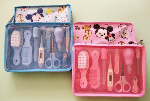 (แพค 6 set ) กระเป๋า Baby Care Kit Set ชุดหวีแปรง/ตัดเล็บทารก/ปรอทวัดไข้