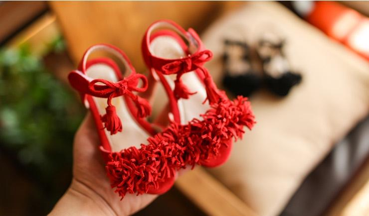 รองเท้าแฟชั่นเด็ก รองเท้าเด็กรัดส้น รองเท้าเด็กสีแดง