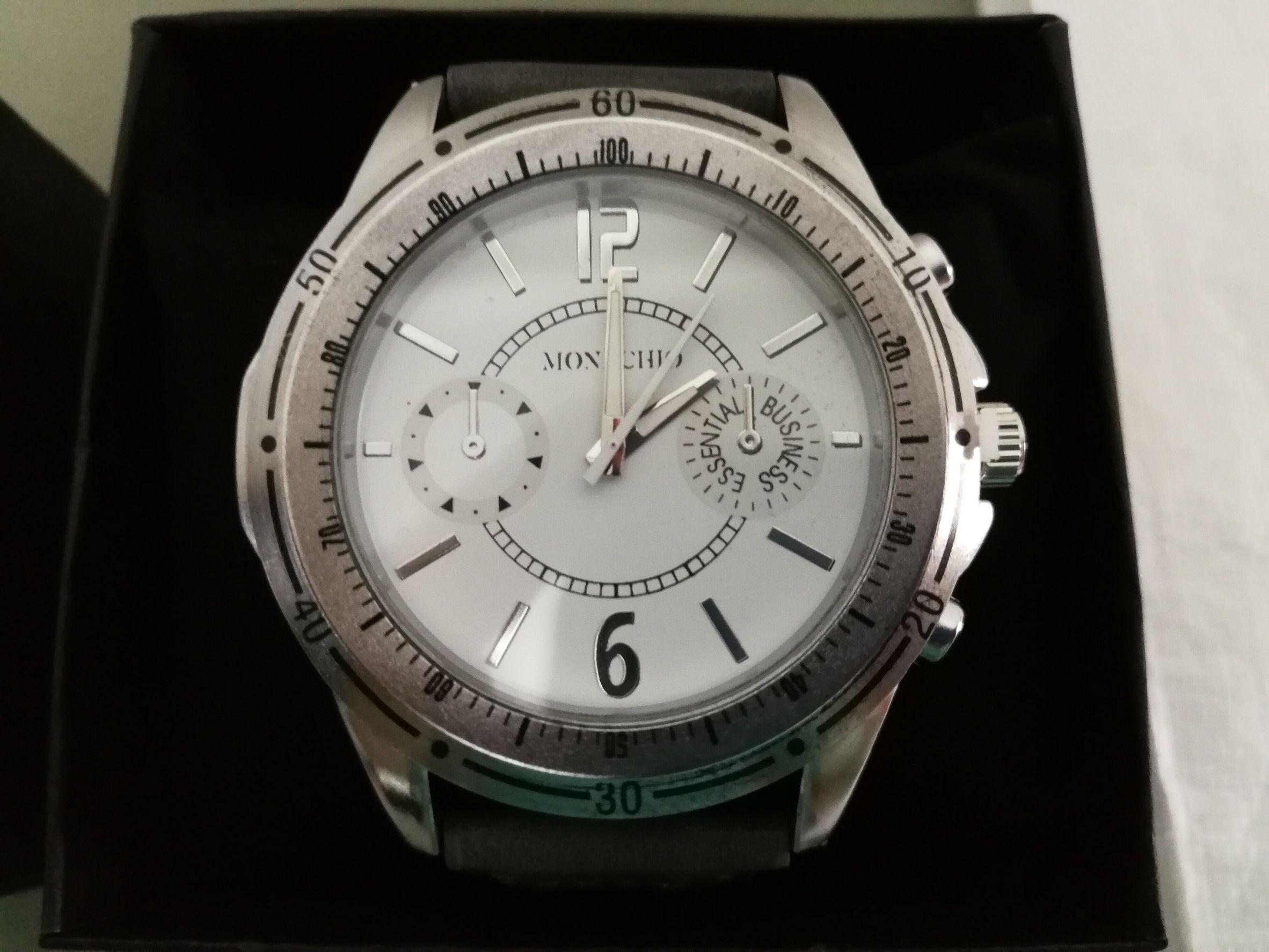 นาฬิกาข้อมือ Monachio