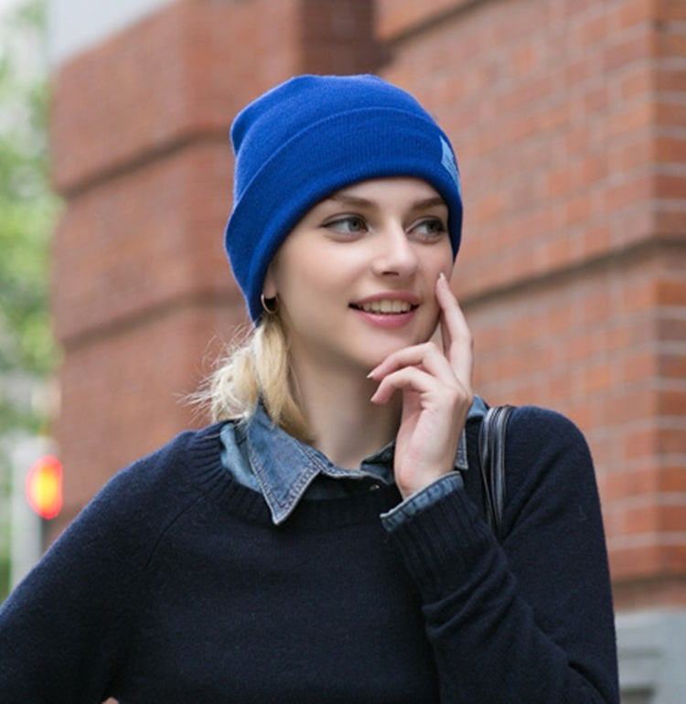 (Pre-order) หมวกไหมพรม เส้นใยสังเคราะห์ ถักทอเนื้อแน่น หมวกกันหนาวได้ดี แบบสวย เรียบง่าย แต่ไม่ธรรมดา สะท้อนความเป็นตัวของตัวเองของคุณ สีฟ้า