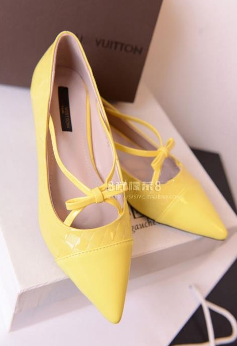Pre Order - รองเท้าแฟชั่น ปลายแหลม แบบหรู