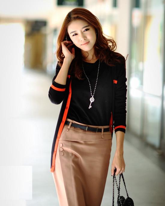 ++เสื้อผ้าไซส์ใหญ่++* Pre-Order* เสื้อคลุมแฟชั่นไซส์ใหญ่แต่งแถบสีส้มสวยน่ารักค่ะ