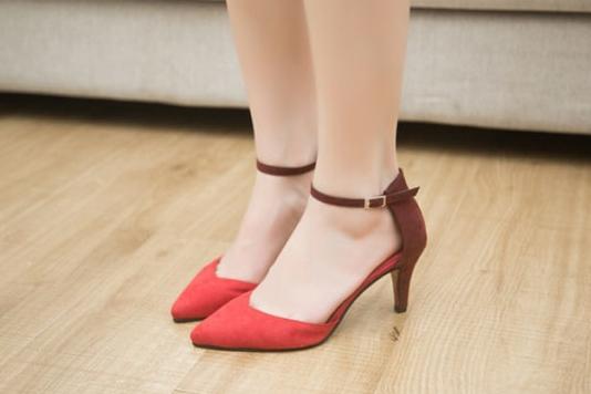 Pre Order - รองเท้าแฟชั่น สไตล์ยุโรปอเมริกา ส้นสูงปลายแหลม สี : สีดำ / สีน้ำเงิน / สีแดง
