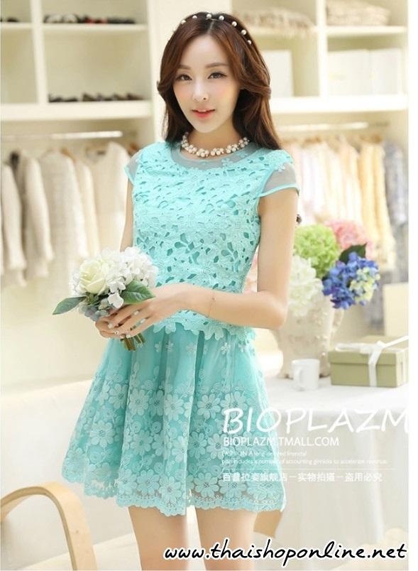 ชุดเดรสเกาหลี ตัวเสื้อผ้าถักลายดอกไม้ สีเขียว กระโปรงผ้าไหมแก้ว ปักด้วยด้ายลายดอกไม้