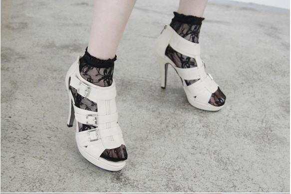 ถุงเท้าซีทรูสีดำ