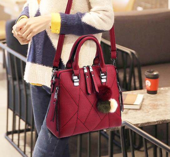 Pre-order กระเป๋าผู้หญิงถือและสะพายข้างแฟชั่นสไตล์เกาหลี เย็บลายเรขาคณิต รหัส KO-696 สีไวน์แดง *แถมปอม 3 สี