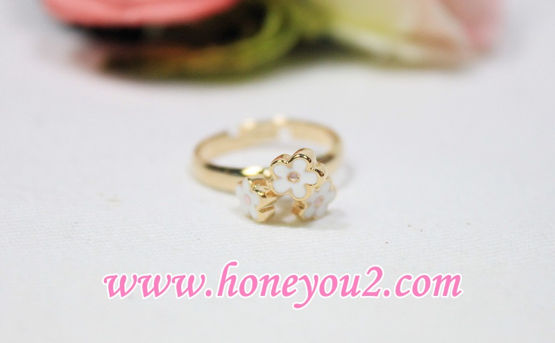 แหวนช่อดอกไม้เกสรชมพู