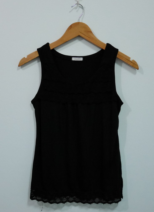 jp4089 เสื้อกล้ามผ้ายืดสีดำ แต่งผ้าลูกไม้ รอบอก 32-33 นิ้ว