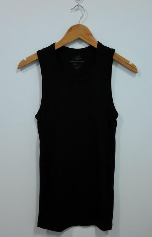 jp4103 เสื้อกล้ามผ้ายืดสีดำ H&M รอบอก 33-35 นิ้ว