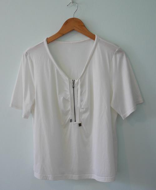 jp5128 เสื้อยืดสีขาวแต่งซิบ รอบอก 38-42 นิ้ว