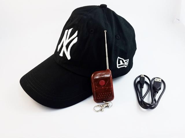 1) เปิด switch ON/OFF ที่กล้องหมวก ชุดอุปกรณ์ 1. กล้องหมวก NY 2. สาย USB 3. รีโมท