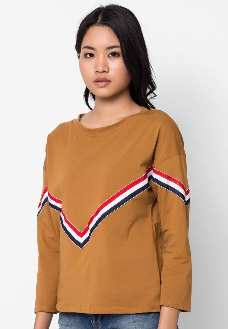เสื้อยืด V Triple Stripe